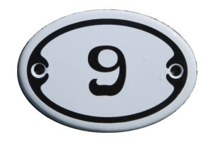 Nummer 9 mini Emailschild Jugendstil 4,2 x 6,2 cm oval weiß Nr. 4209